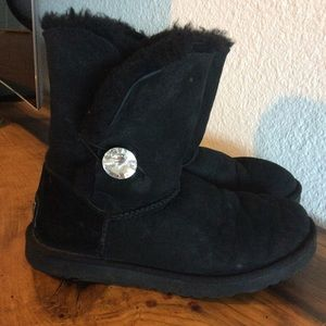 UGG Bailey Button Bling boot. Size 9
